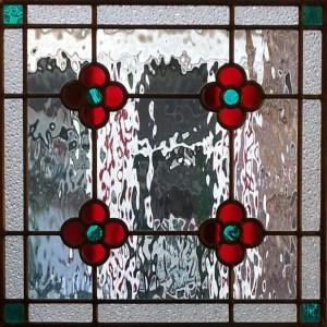 Glas in lood ontwerp model patroon bloemen ondoorzichtig figuurglas waterglass blank rood groen stainedglass window raamhanger